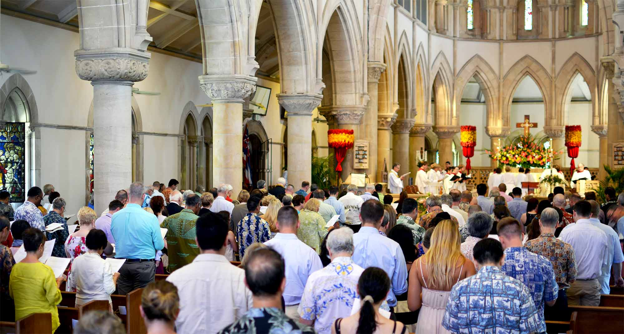 photo: Easter congregation fills The Cathedral of St. Andrew (Honolulu, Hawaii)