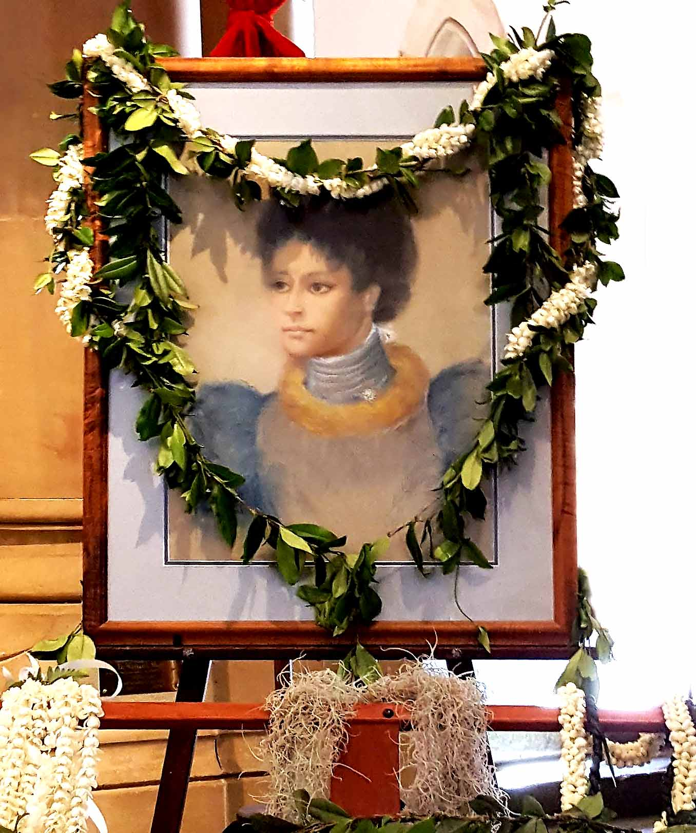 portrait: Princess Ka'iulani of Hawaii, honored with flower lei